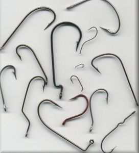 Tandem of small fishing hooks